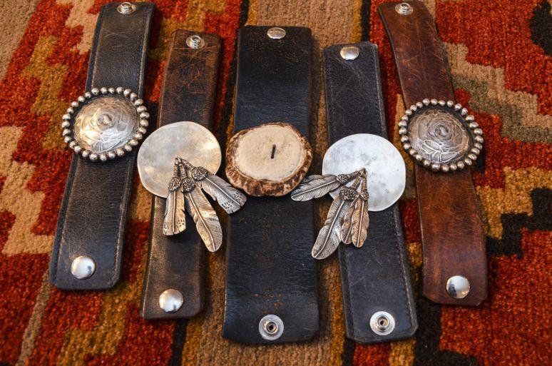 jewelry.pendants.leather