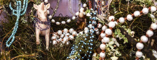 necklaces.chains.pendants.